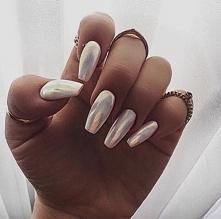 Holographic nail