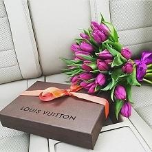 Takie tulipanki to sama bym chciała dostać *.* Piękny kolor