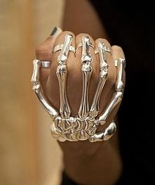 Z taką biżuterią nikt Ci nie podskoczy =^.^=