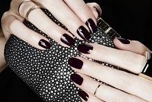 Piękna głęboka czerń idealny kolor na ten sezon polecam ;)