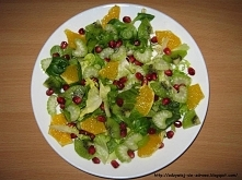 Mix sałat - 40 g (2 garści) Pomarańcza - 120 g (1/2 sztuki) Granat - 51 g (3 ...