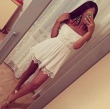 śliczna sukienieczka<3
