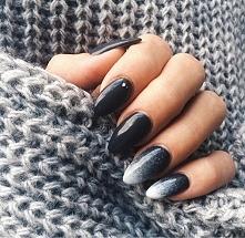 ładne przełamanie ciemnego koloru śnieżnym białym ☺️ #paznokcie #semilac #zimowymanicure