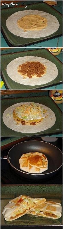 Zobacz jak zrobić zapiekankę z tortilli z majonezem, mięsem mielonym... Macie ochotę na taki obiad?