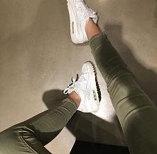 Uwielbiam białe buty *.*