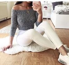 Szukam takiego sweterka,bez wzorów :(