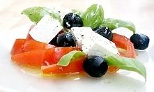 Sałatka z fety, czarnych oliwek i pomidorów