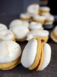 Ciasteczka z bezą choć wyglądają na bardzo pracochłonne, to tak na prawdę ich...