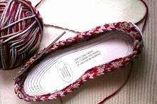 paputki  wiecej tutaj: manualidades.facilisimo.com/ blogs/ideas-diy/como-hacer-unas-pantuflas-tejidas-a-mano_1231196.html?aco=16ut&fba