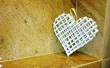 Serduszka z wikliny papierowej. Walentynki tuż tuż :)