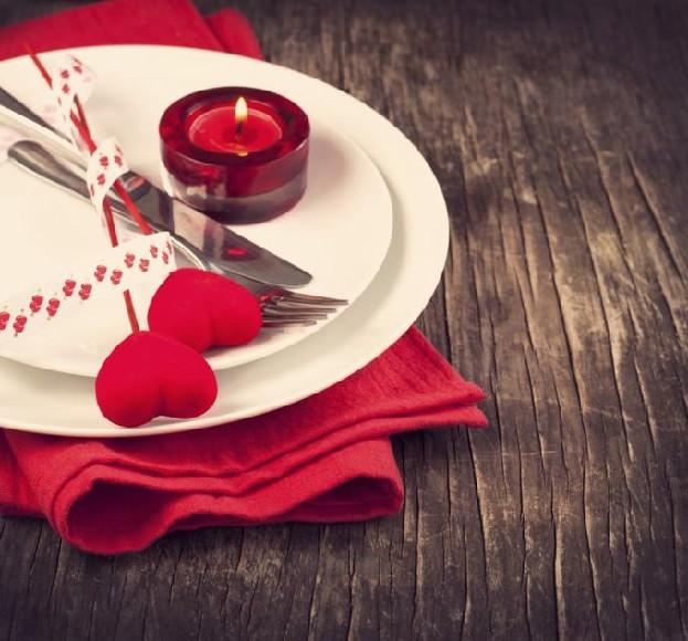 jakis dietetyczny i fit pomysl na romantyczna kolacje walentynkowa? :) pomocy dziewczyny ! :D