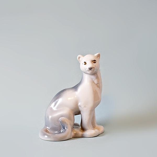 Porcelanowa puma z fabryki Połonne