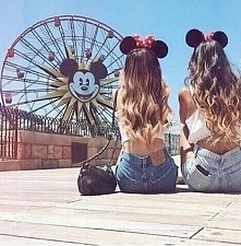 I love Minnie & Mickey ;)