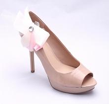 Niebanalne, kobiece klipsy du butów. Idealne na ślub, ale także na każde inne, ważne wyjście.   Dostępne w sklepie Madame Allure :)