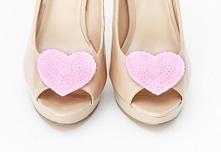 Urokliwe klipsy - broszki do butów w kształcie serduszek - całe z cekinów :) Do kupienia w sklepie internetowym Madame Allure!