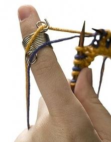 knitting with 2 yarns!