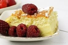 Ciasto magiczne Dlaczego zwykłe ciasto budyniowe określone zostało magicznym? Otóż przygotowujemy jedną masę, a podczas pieczenia rozdziela się ona na trzy warstwy. Tak więc mam...