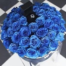 Niebieskie róże, pierścione...