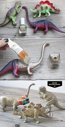Super pomysł, jeszcze jeśli ktoś tak samo jak ja uwielbia dinozaury to już w ogóle :)