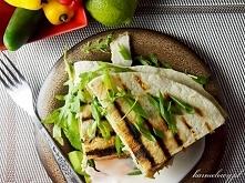 Quesadilla z kurczakiem, szpinakiem i kozim serem