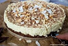 Wegański sernik z kaszy jaglanej - pyszne ciasto z kaszy jaglanej o kokosowym aromacie i kakaowym spodzie