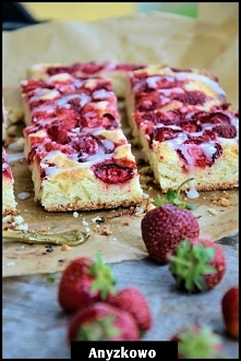 Półfrancuskie ciasto z trus...