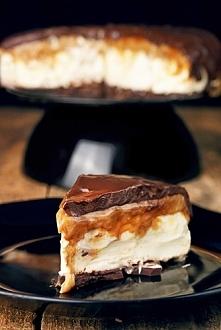...sernik mascarpone z toffi i czekoladą...