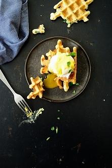 wafle orkiszowe w jajkiem po florencku