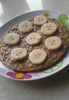 Dzień 2. Omlet owsiany z masłem orzechowym i bananem idealny na sobotnie śniadanie <3  Lubicie masło orzechowe? Ja postanowiłam, że nie będę jadła słodyczy w czasie postu i n...