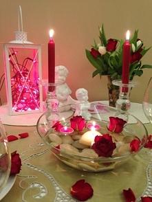 Romantyczna kolacja we dwoje.. Zadbaj o piękną atmosferę i przystrojenie stoł...