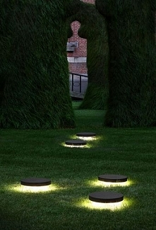 ••Garden bollard light / ur...