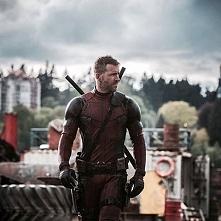 Deadpool - Ryan Reynolds.