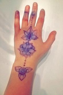 hand made tatoo