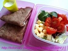 Lunchbox do pracy, naleśniki czekoladowe z białym serem. Więcej propozycji posiłków do lunchbox'ów na blogu kolorowy-swiat-magdy.