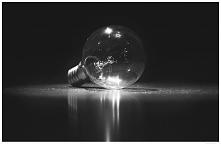 zabawa światłem i żarówką może przynieść naprawdę ciekawe efekty <3