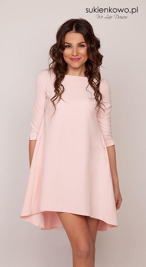 Sukienka trapezowa pudrowo różowa