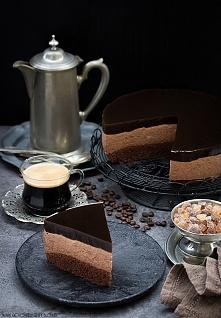 Czekoladowy sernik z kawową...