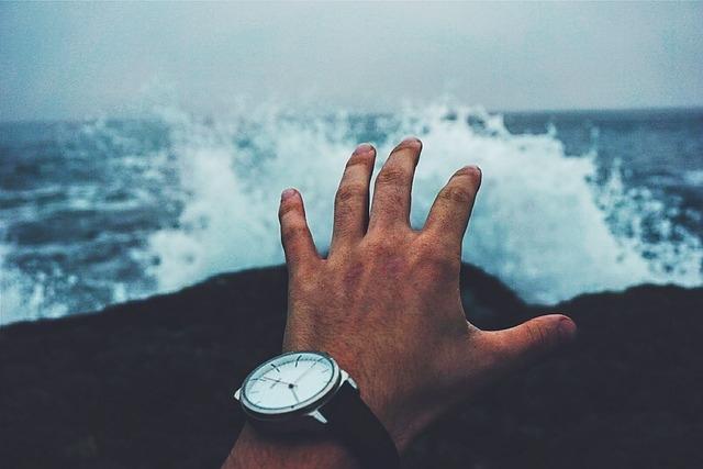 Jak Opanować Drżenie Rąk? Kliknij w zdjęcie