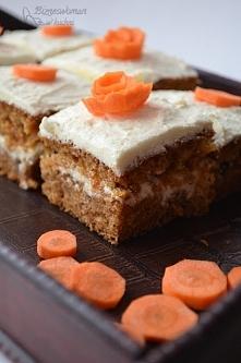 Pyszne ciasto marchewkowe. ...