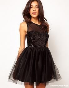 Mała czarna...  Kocham je, a z mody nigdy nie wyjdą ;)