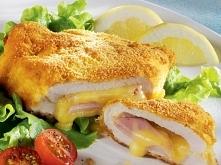 Filety z kurczaka w stylu francuskim Składniki na 4 porcje: - 2 filety z kurczaka - 4 plastry szynki - 4 plastry żółtego sera - 2 łyżki mąki - 1 jajko - 2 łyżki mleka - 3/4 szkl...