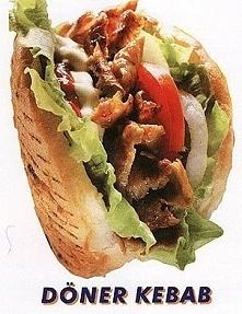 Składniki składniki na ok 7-8 kebabów: CIASTO -1/2 kg mąki - 3 łyzki oleju -pół kostki drożdzy (50g) -łyżeczka soli -250ml ciepłej wody SOS -majonez (ok 100ml) -ketchup (5-6 łyż...
