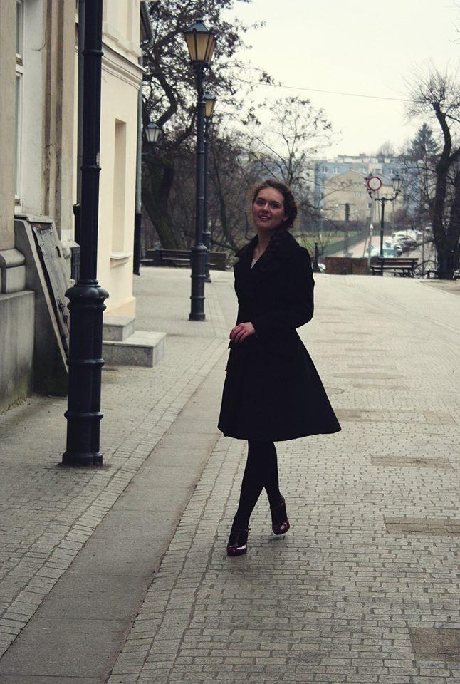 Co powiecie na taki elegancki płaszczyk? :D fot. Justyna Robak mod. Patrycja Ciszewska proj. Agnieszka Ciszewska