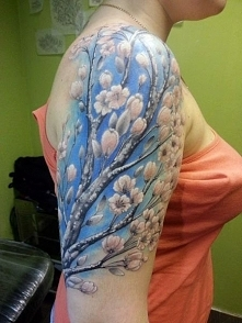 tatuaże damskie kwitnący krzew