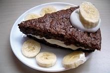 Wiejski murzynek:  Składniki (5) Serek wiejski 400 g Jaja kurze całe 120 g (2 szt.) Otręby owsiane 35 g Kakao naturalne 7 g Proszek do pieczenia 5 g (1 płaska łyżeczka)  Sposób ...