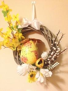 Wielkanocny wianek. Więcej ...