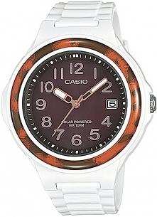 biały zegarek komunijny dla dziewczynki w sportowym stylu, idealny do noszenia na co dzień