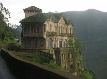 Rezydencja z lat 20. ubiegłego wieku, znana jako Hotel del Salto, urzeka nie tylko swoją tajemniczością, ale również lokalizacją. Ten opuszczony i - według legend - nawiedzony d...