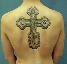 krzyż na plecach