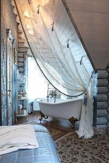 Łazienka przy sypialni na poddaszu? Czemu nie! Dobra pompa doprowadzająca wodę na poddasze i niezwykły, tajemniczy design zimowej łazienki - zapraszam na kolejny wpis z serii &a...
